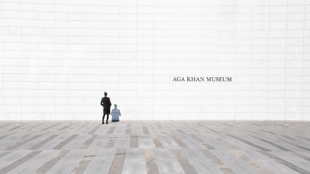 The Aga Khan Museum is a one of a kind in its simplistic oriental design. It's definitely a Toronto hidden gem. This setting was perfect for my #WhitespaceProject seeking minimalistic styles in everyday photography.   Although we had to leave, on our way out of the museum, I jumped with excitement when I saw the direct sunlight making the white marble wall glow. The shot was definitely worth the time.   ~ Check out more of my photos on instagram.com/elamir3mmar ~