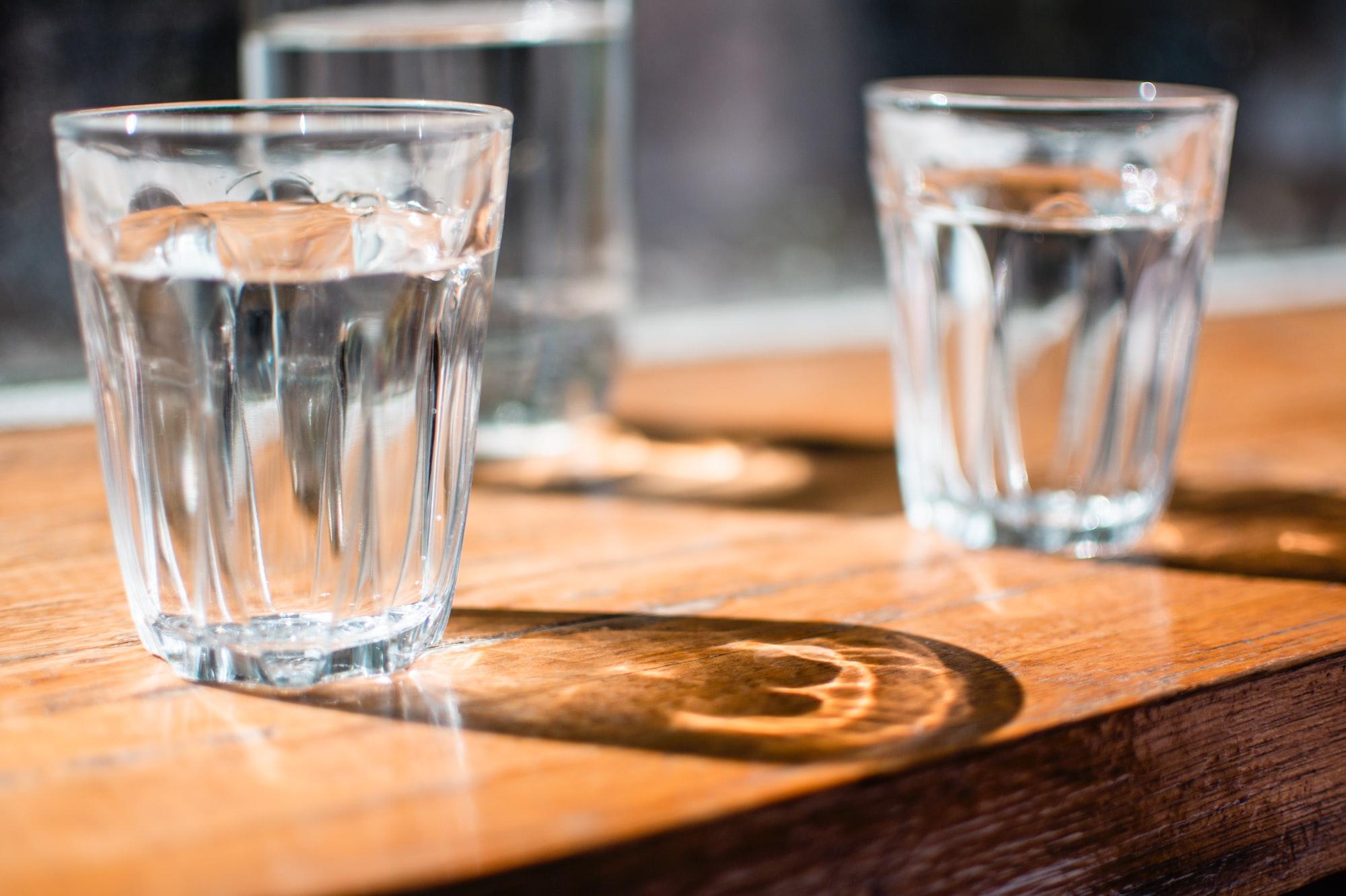 ในแต่ละวันเราควรดื่มน้ำกี่แก้ว ?