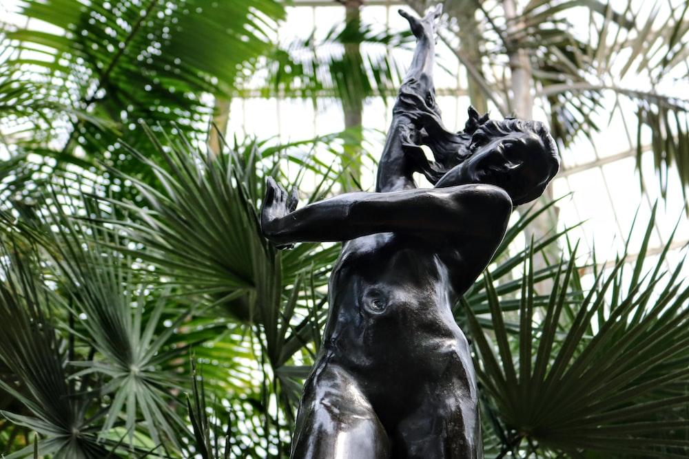 nude woman statue