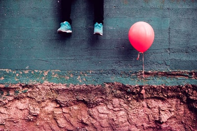 red balloon conceptual art zoom background