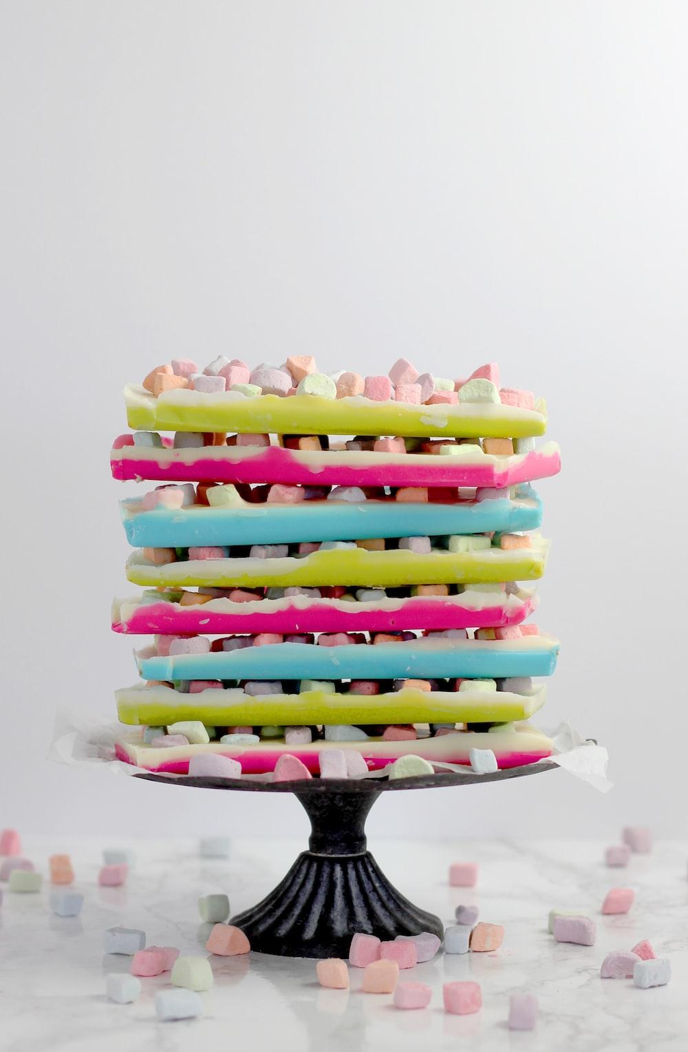 marshmallow dessert on black dessert stand
