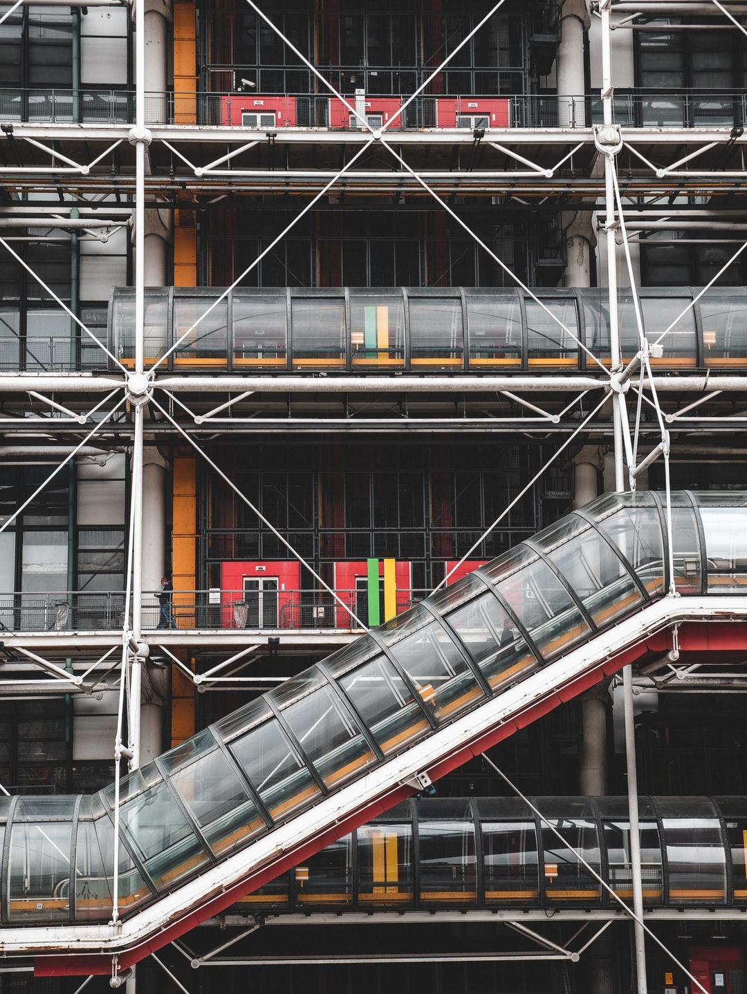 Birthday weekend in Paris. This fifth set is a more random selection. Abstract architecture is an amazing thing, places like the base of the Eiffel Tower and the Pompidou centre are a brilliant reminder of modern building (even though the Eiffel tower is old, it's a feat of engineering!)