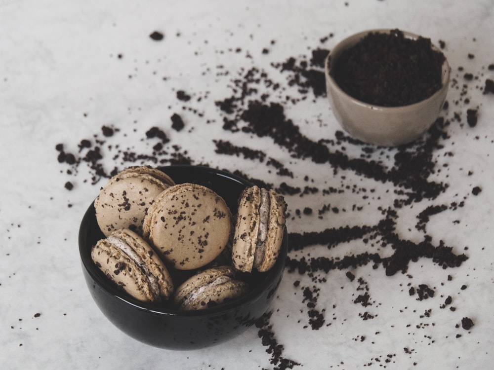 macaroons in bowl