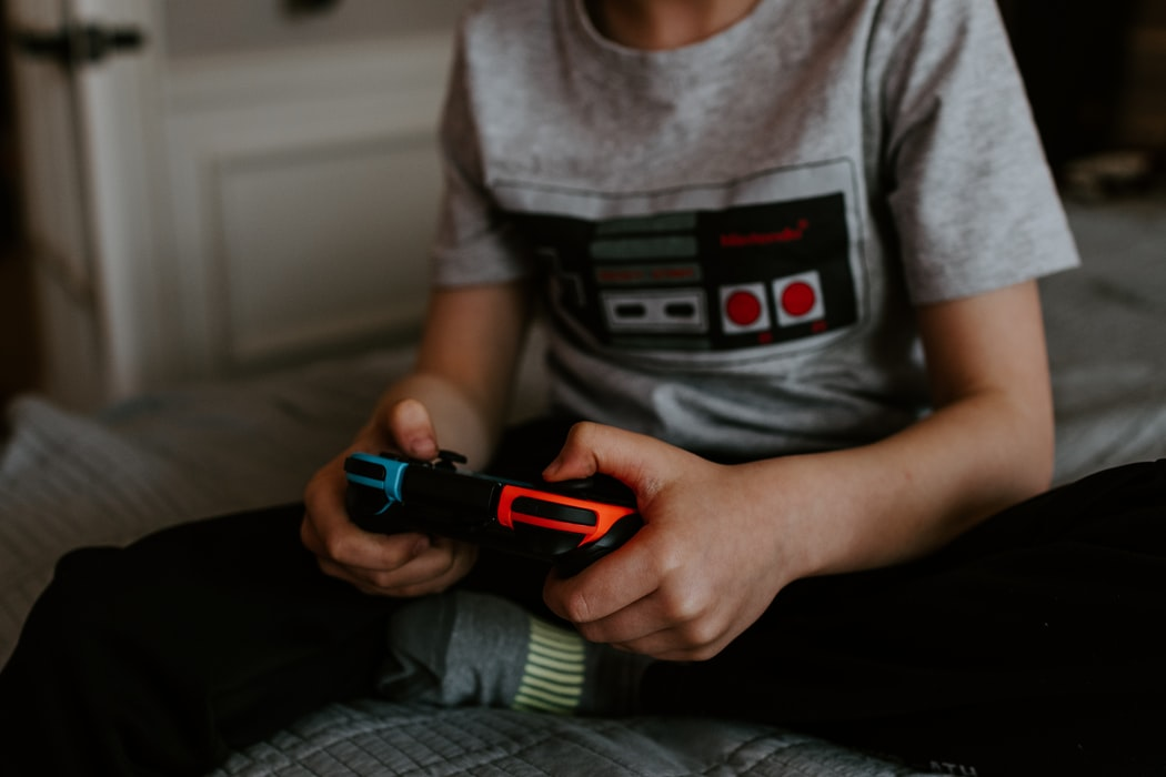 Почему дети и подростки становятся зависимыми от компьютерных игр