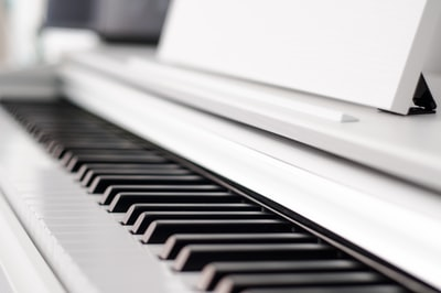 black and white piano piano zoom background