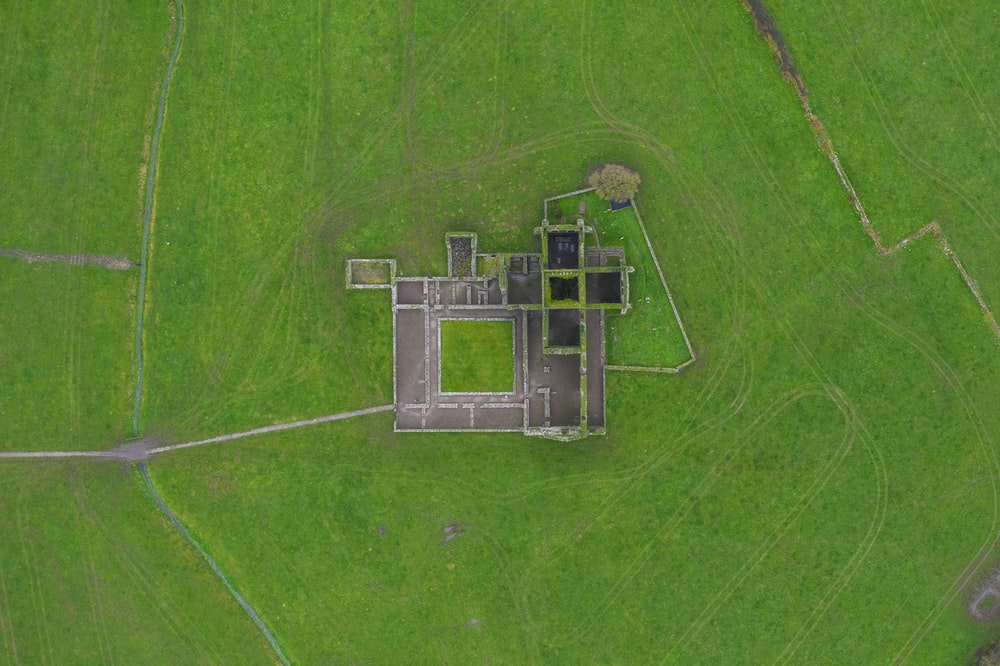 aerial view photography of maze