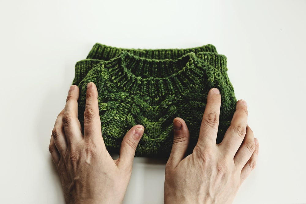 green knitted cloth