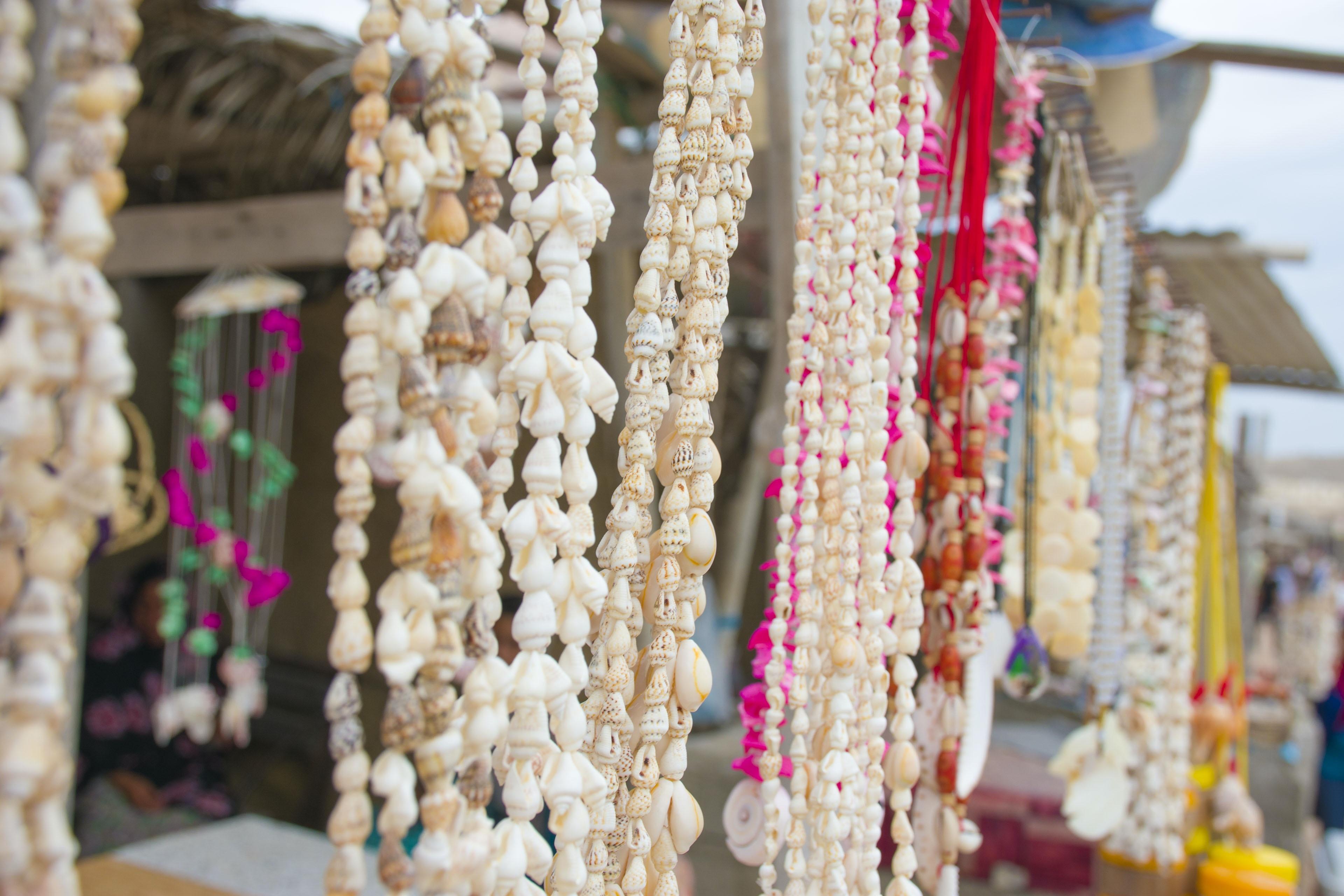 beaded white seashells necklace lot