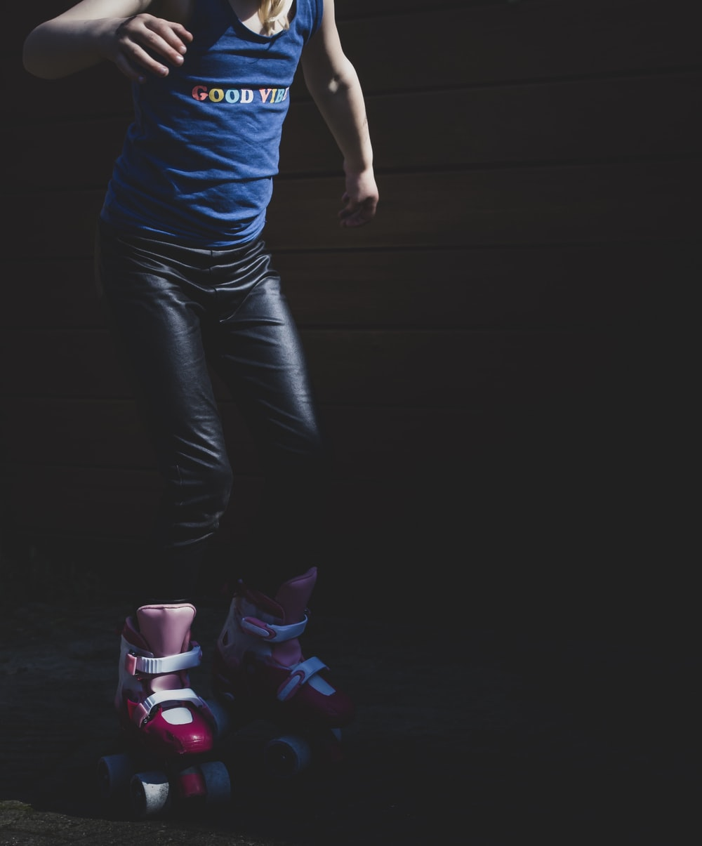 girl wearing roller shoes
