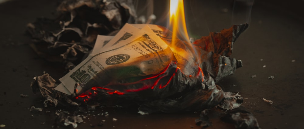 burning banknotes