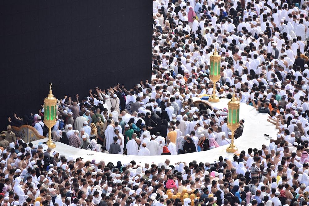 crowd of people worshiping Kaaba, Mecca