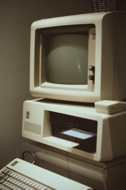 white Macintosh computer