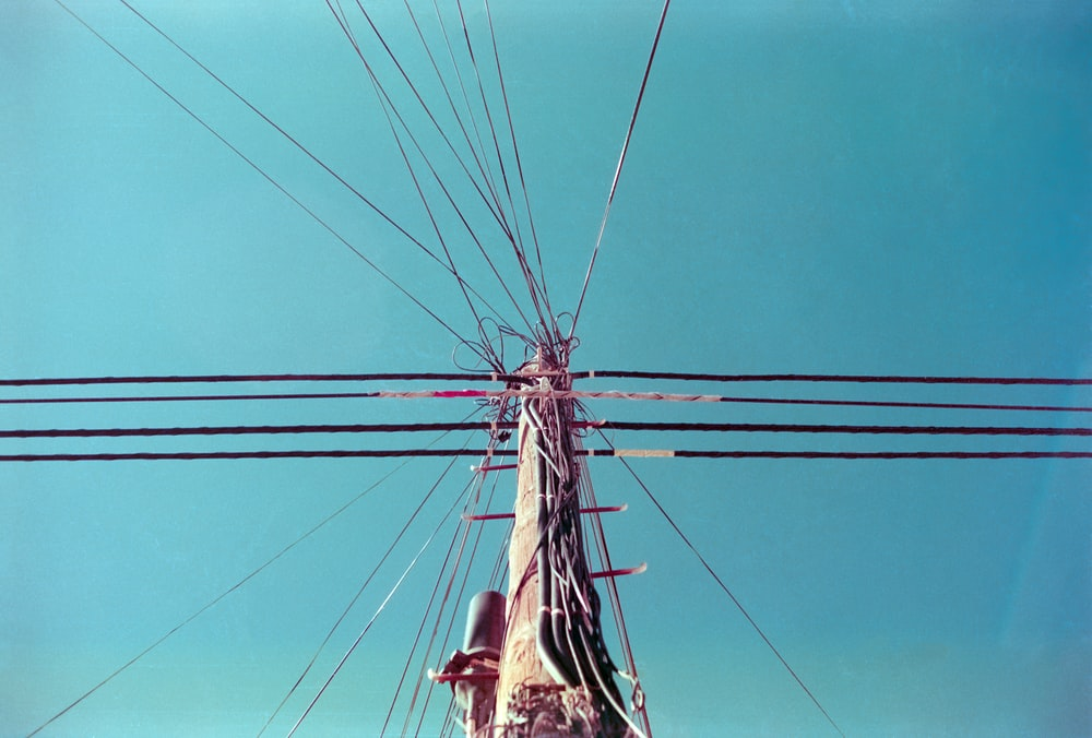wires connected to post