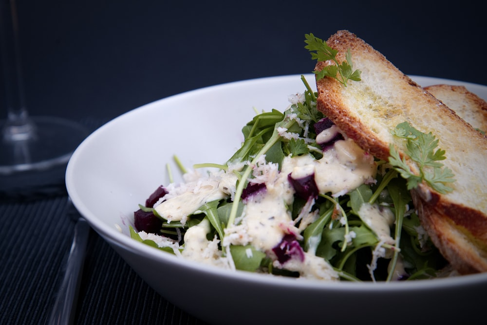 garden salad with toasted bread