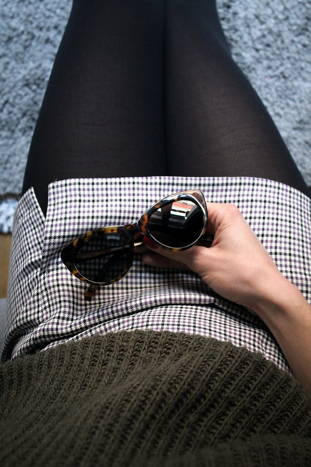 Woman wearing 60s vintage outfit