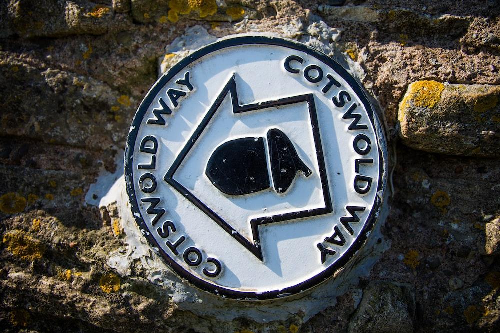 Cotsorld Way logo