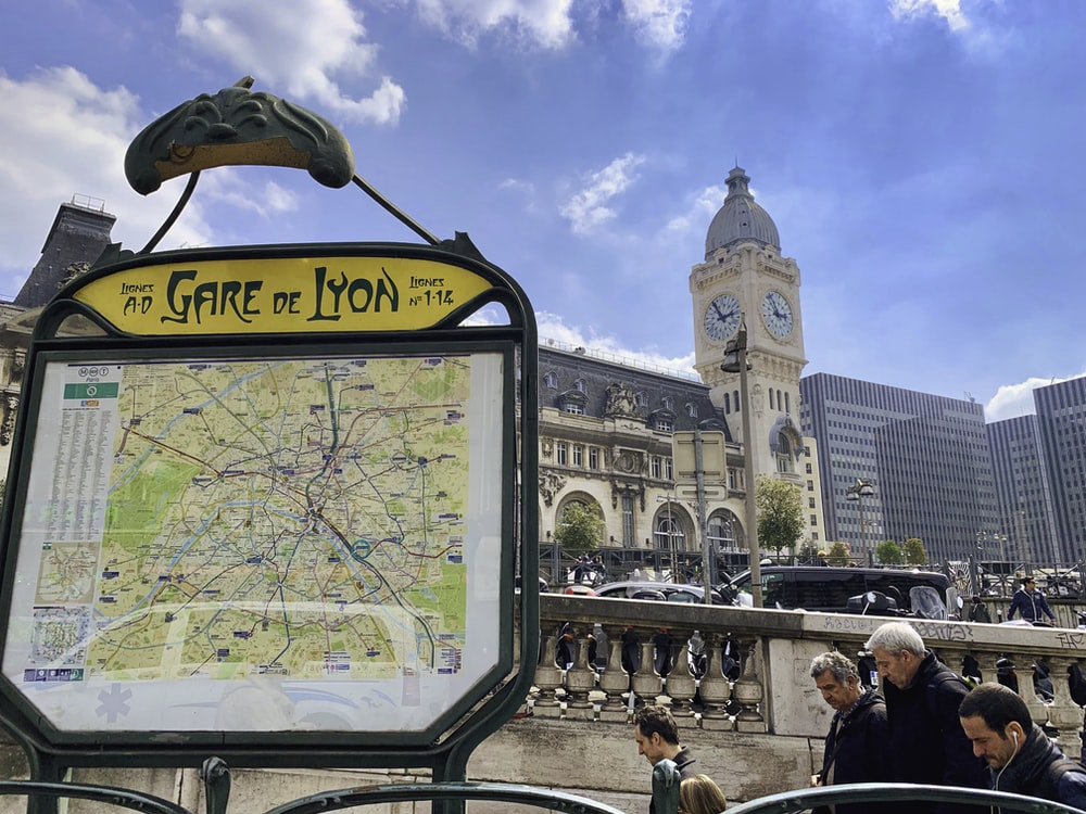 Gare de Lyon signage