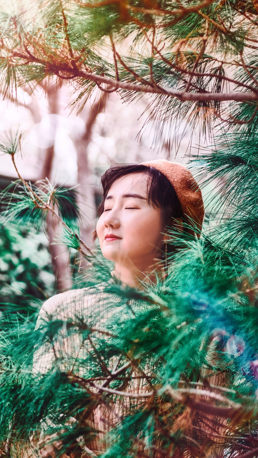 woman selective focus photography