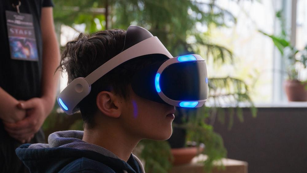 man using VR box