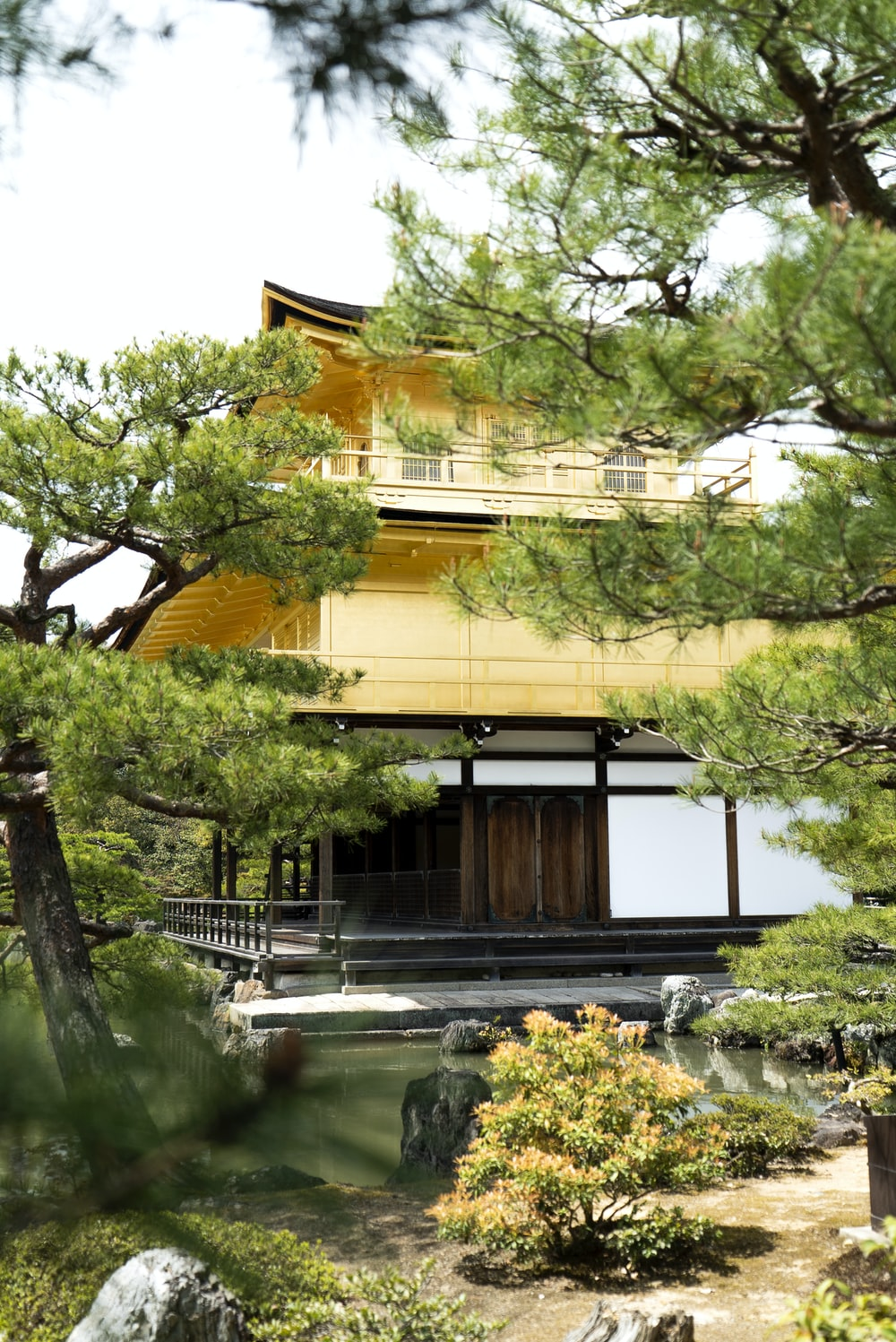yellow and brown pagoda building