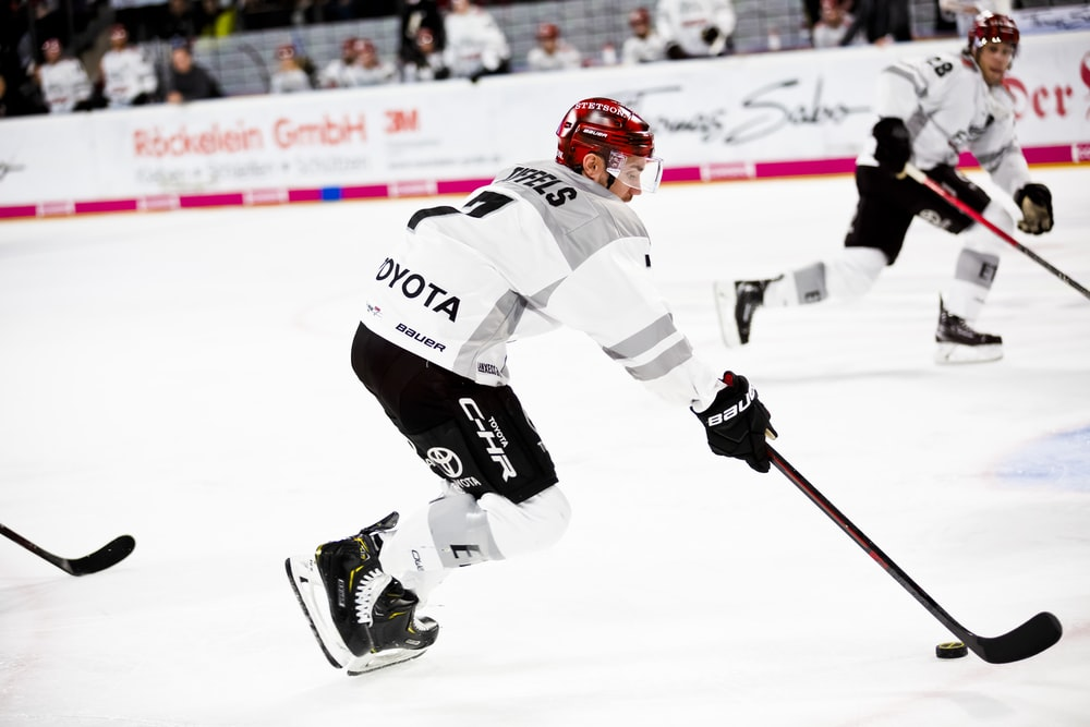Hockey Nutrition: What Are The Requirements