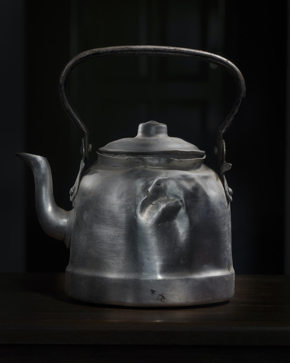 gray steel kettle