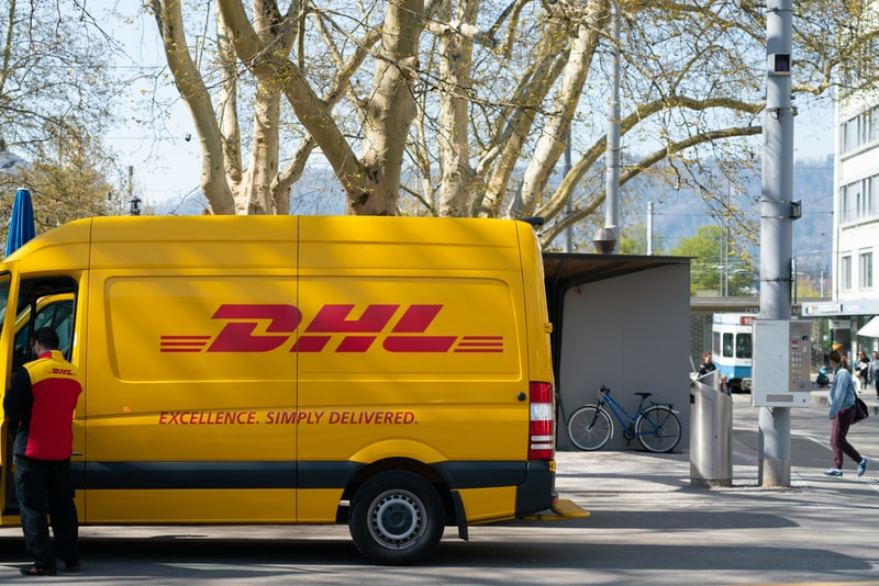 Top 12 Best Courier Companies for eCommerce in NA & EU