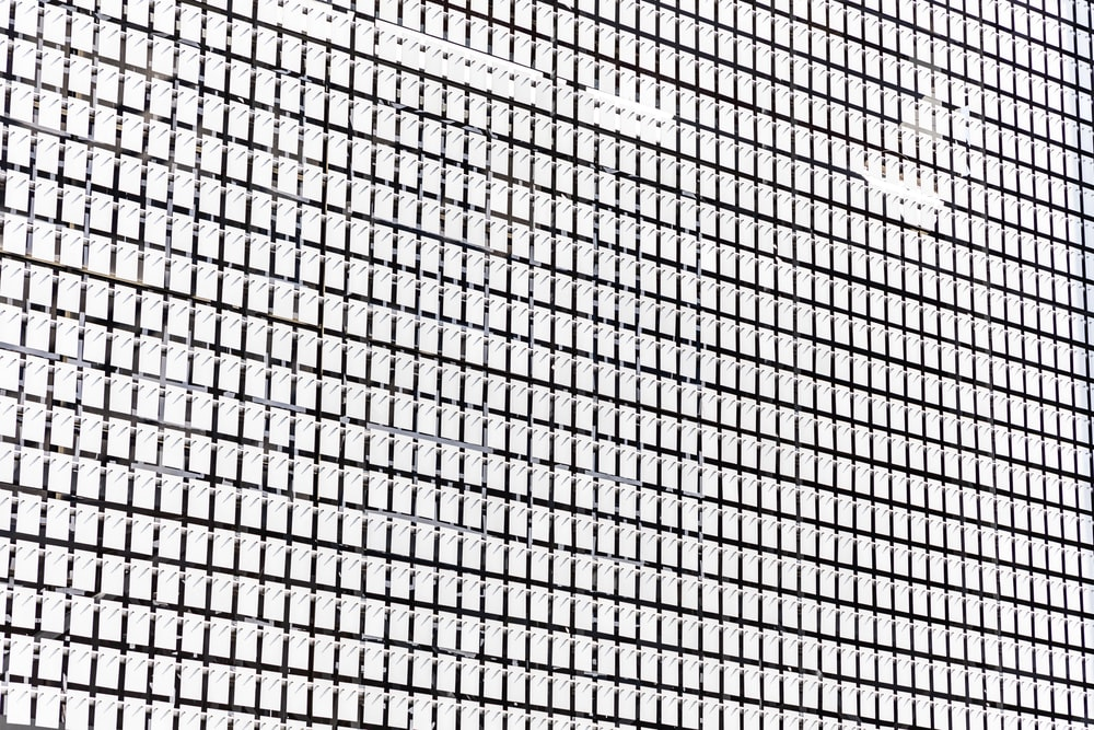 white and black checked wallpaper