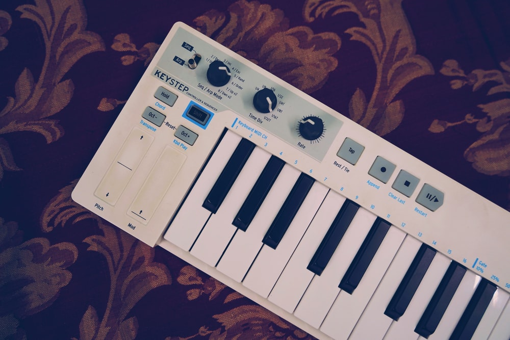 Midi Keyboard Pictures | Download Free Images on Unsplash