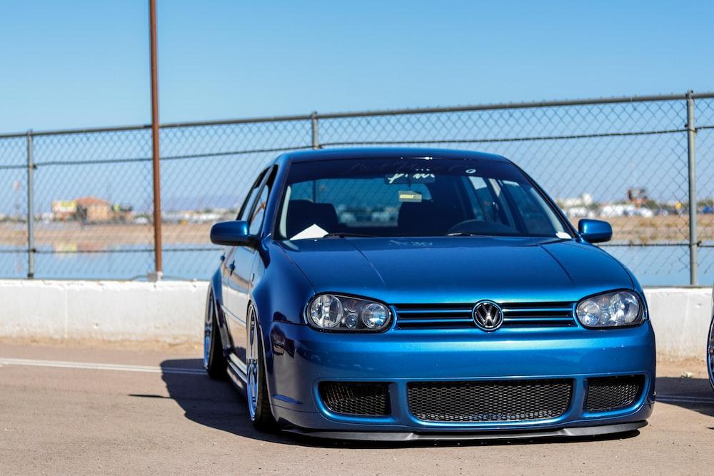 blue Volkswagen vehicle