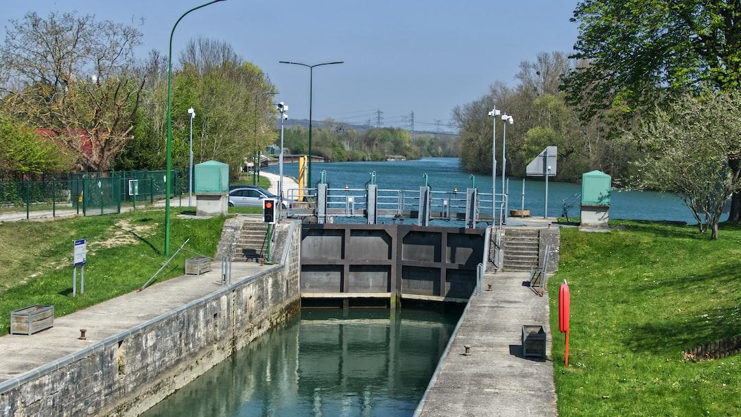 Écluse de Vaires pour emprunter le canal de Chelles