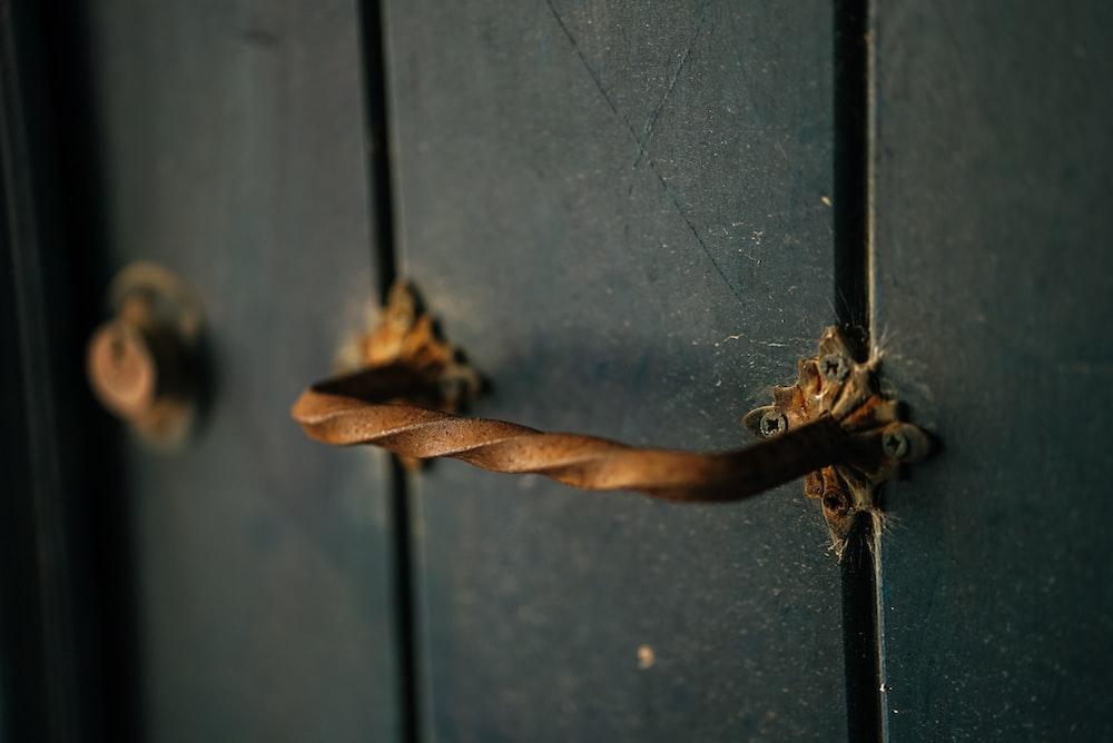 brown handle