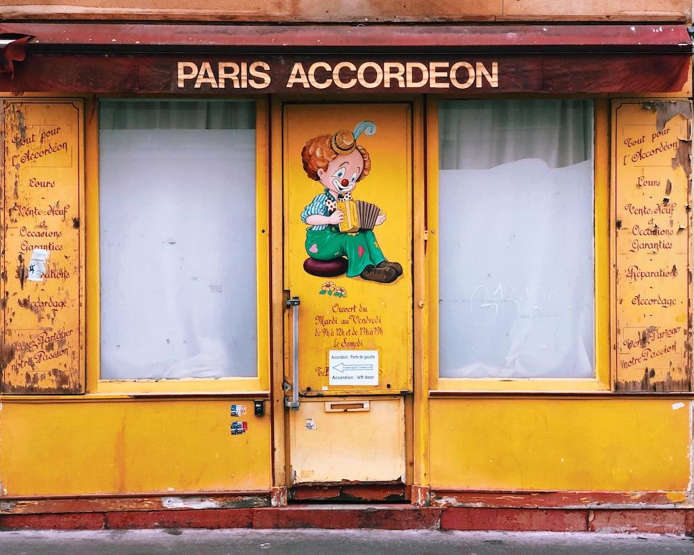 Paris Accordeon store