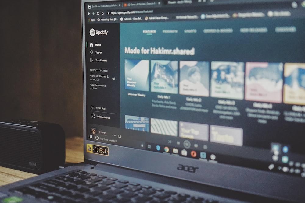 black Acer laptop
