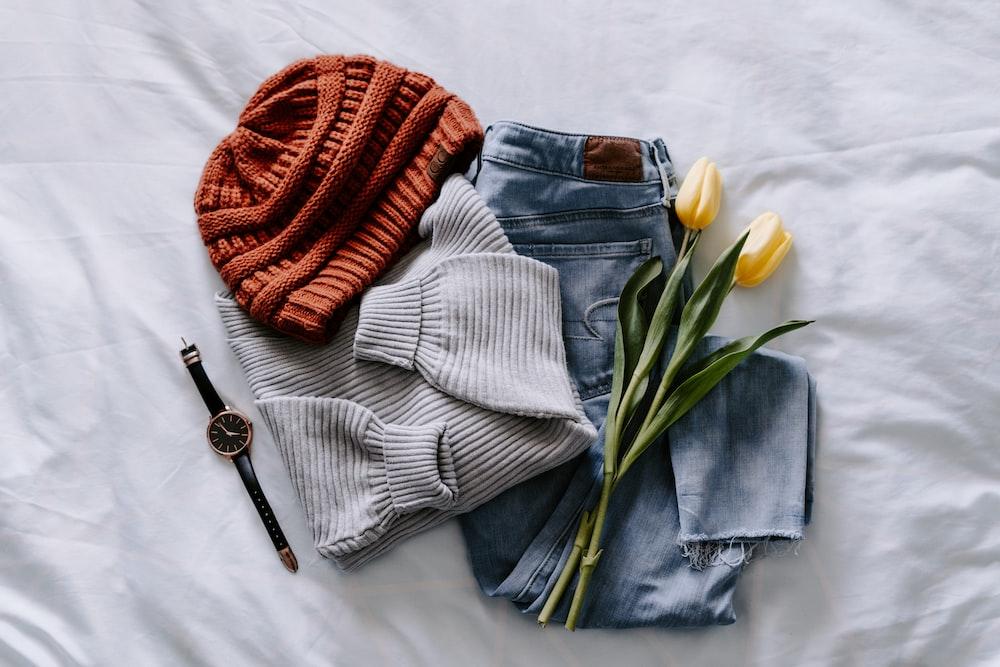 orange knit cap