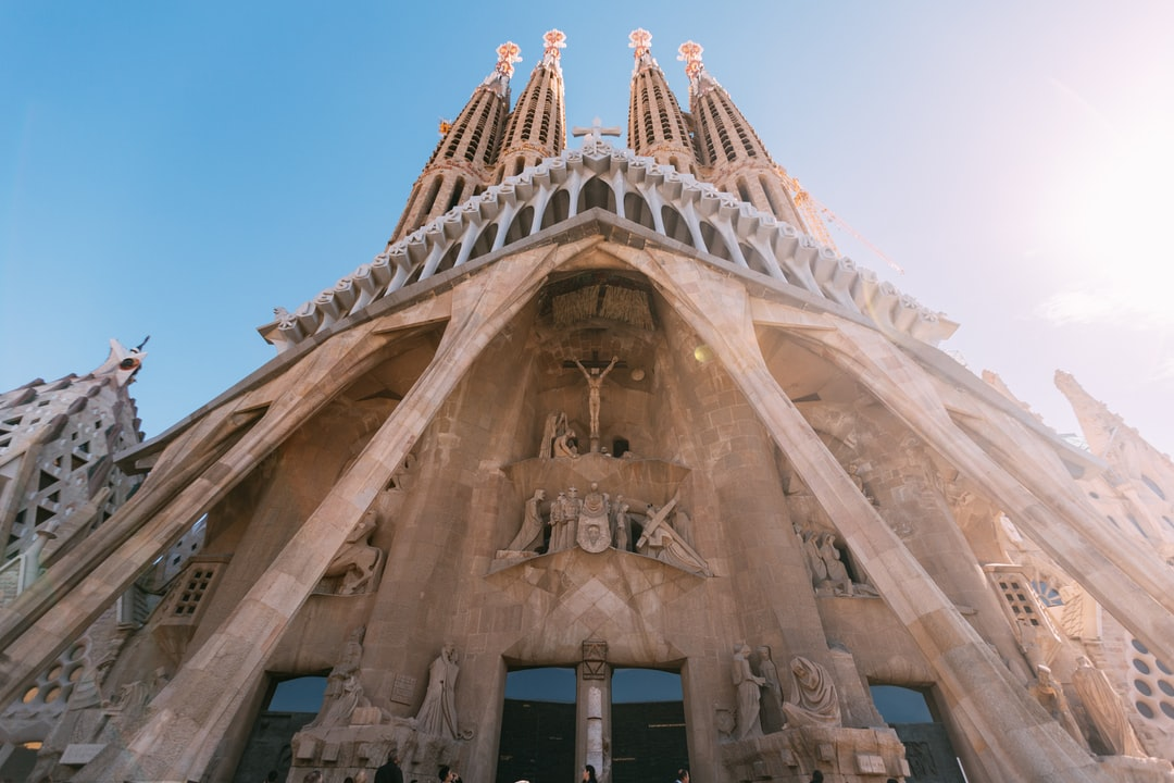 When visiting Barcelona for the Design Conference OFFF 2019, we made use of the situation to visit the Sagrada Familia and behold the work of art this really is.