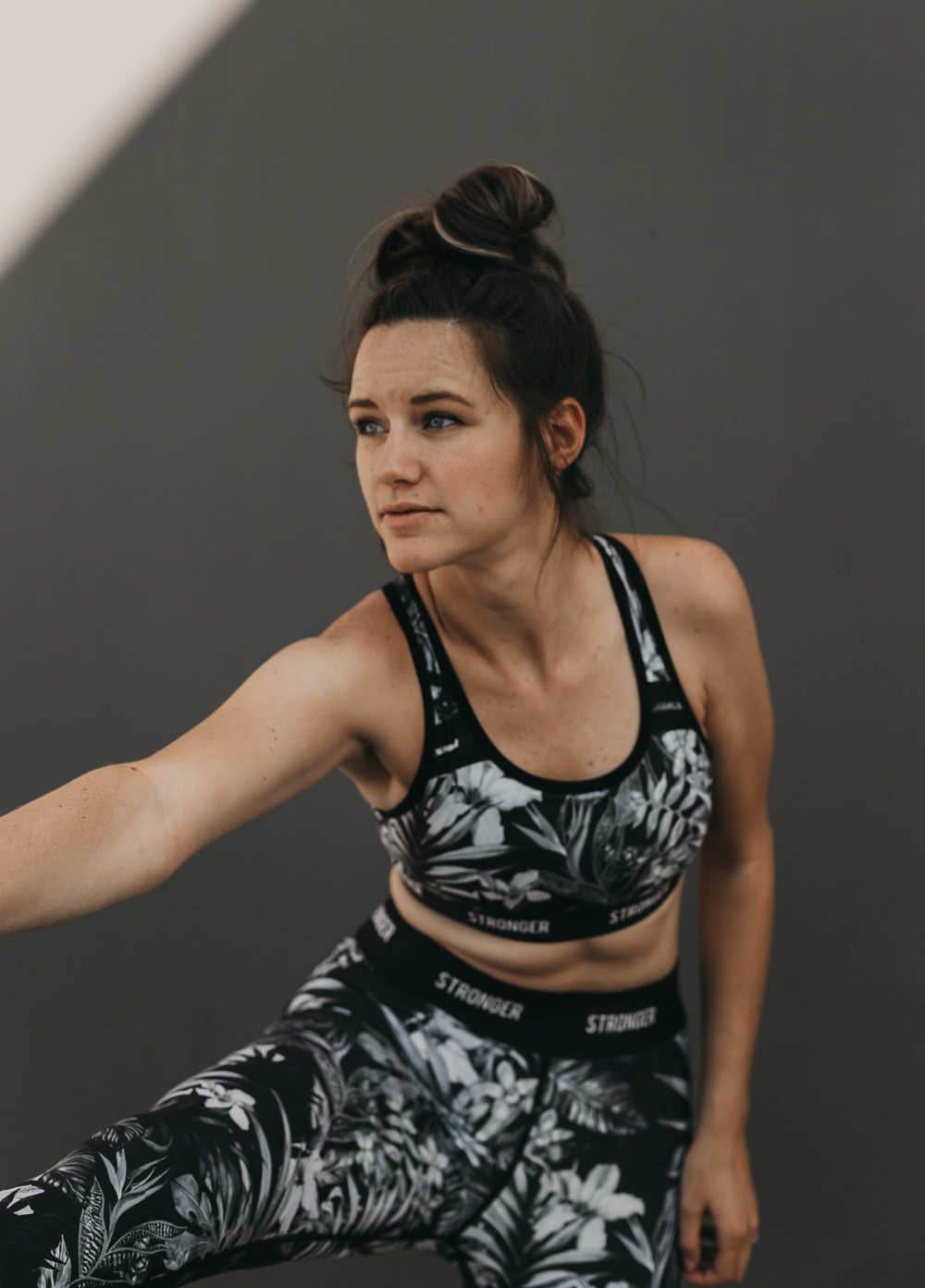 woman wears fitness suit start to work out