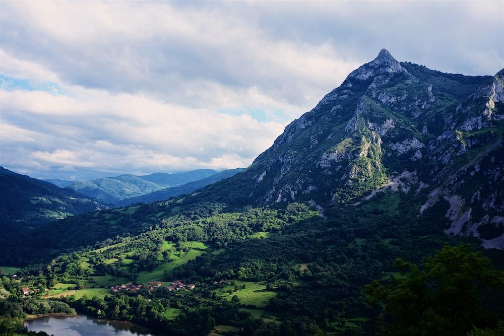 mountain ranges during daytime