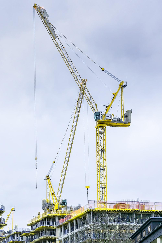 yellow metal crane