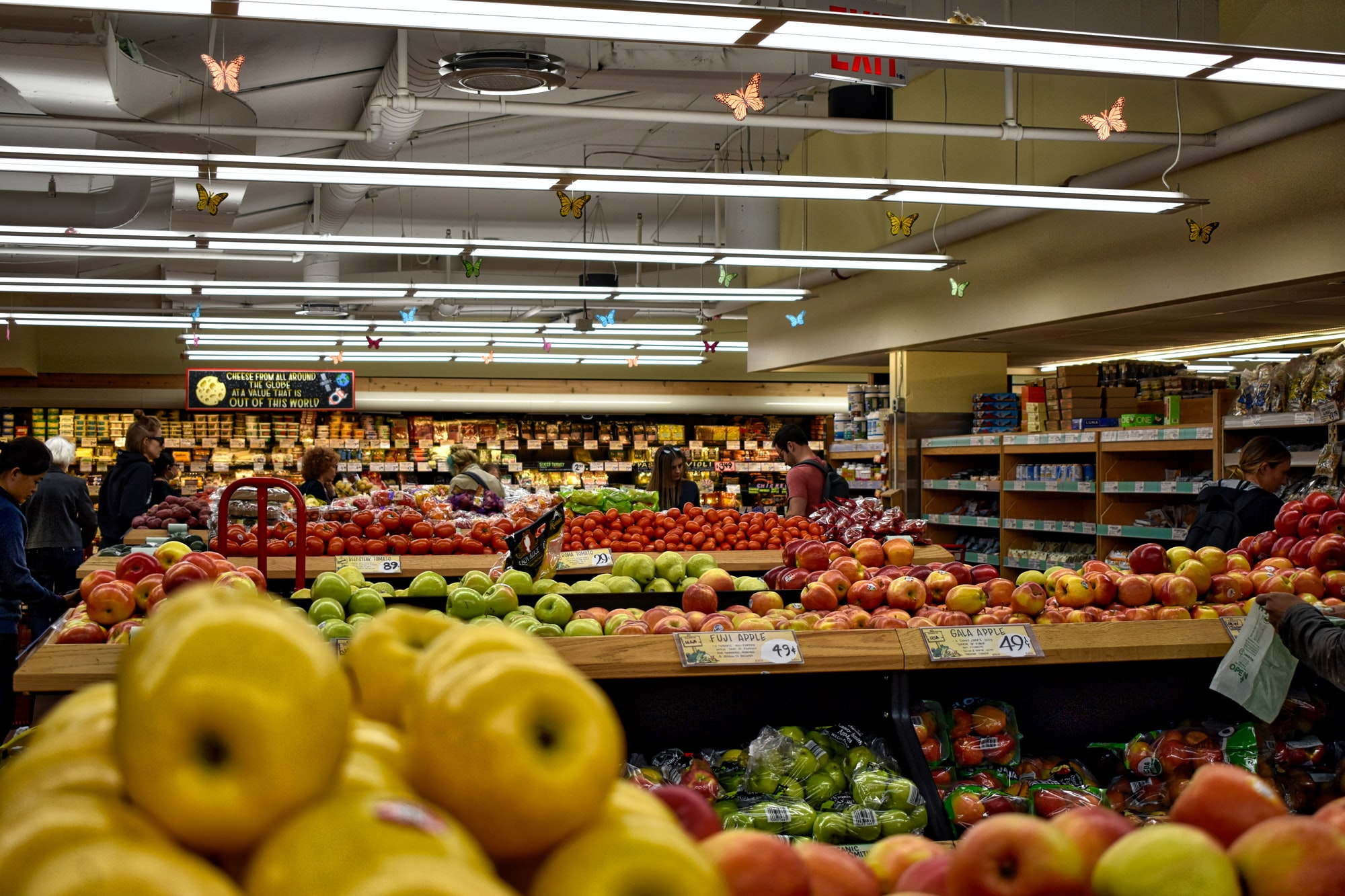 What Criteria Matter When Choosing a Digital Retail Platform?