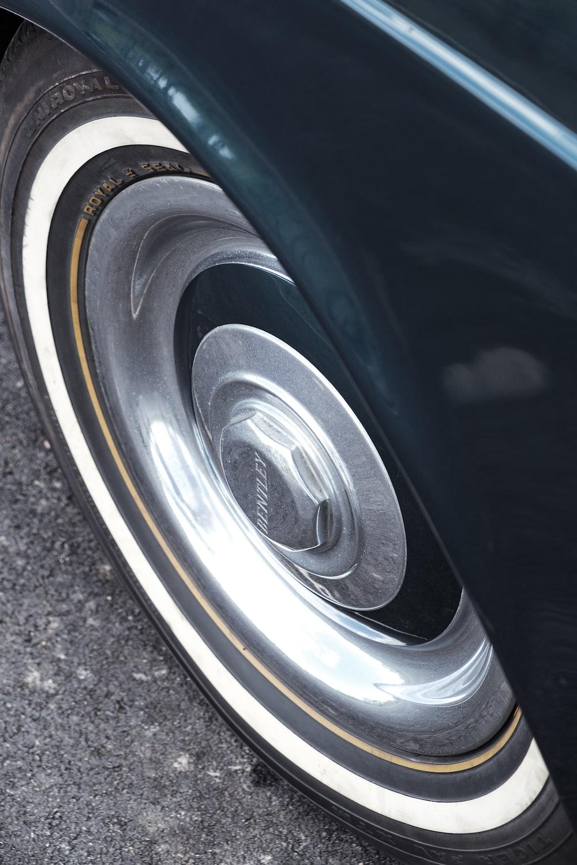 chrome vehicle wheel