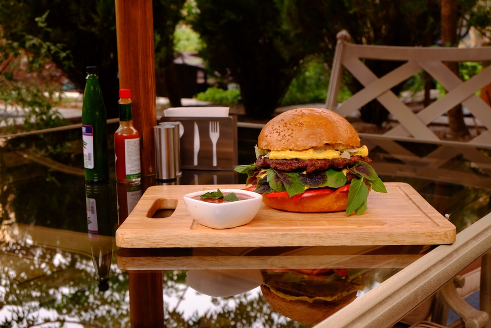 burger on chopping board