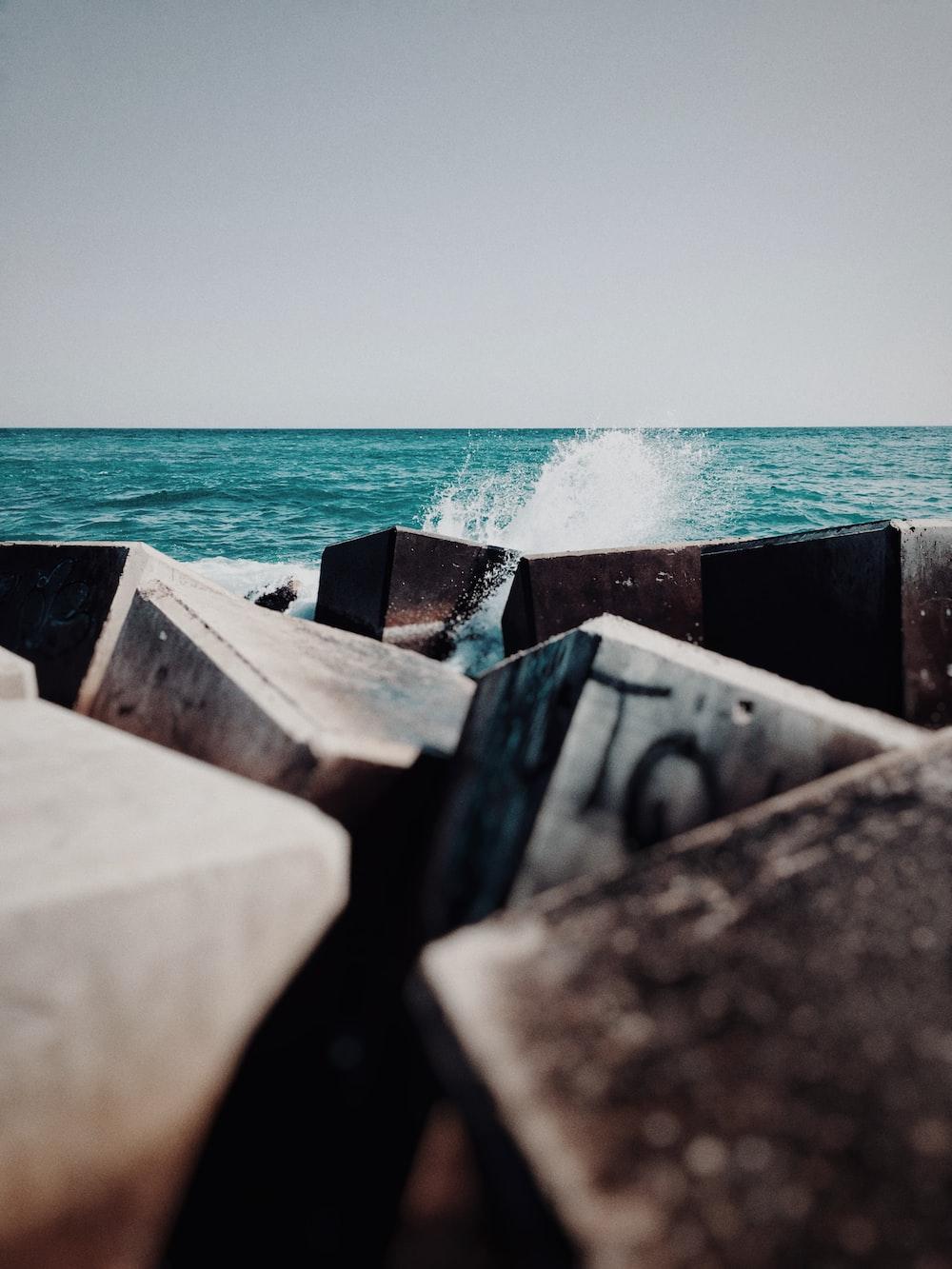 rocks near seashore view