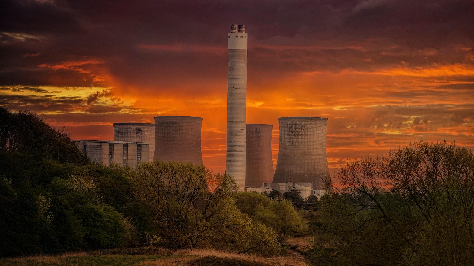 Uzavření jaderných elektráren v Německu povede k tisícům úmrtí kvůli zvýšeným emisím, odhaduje studie