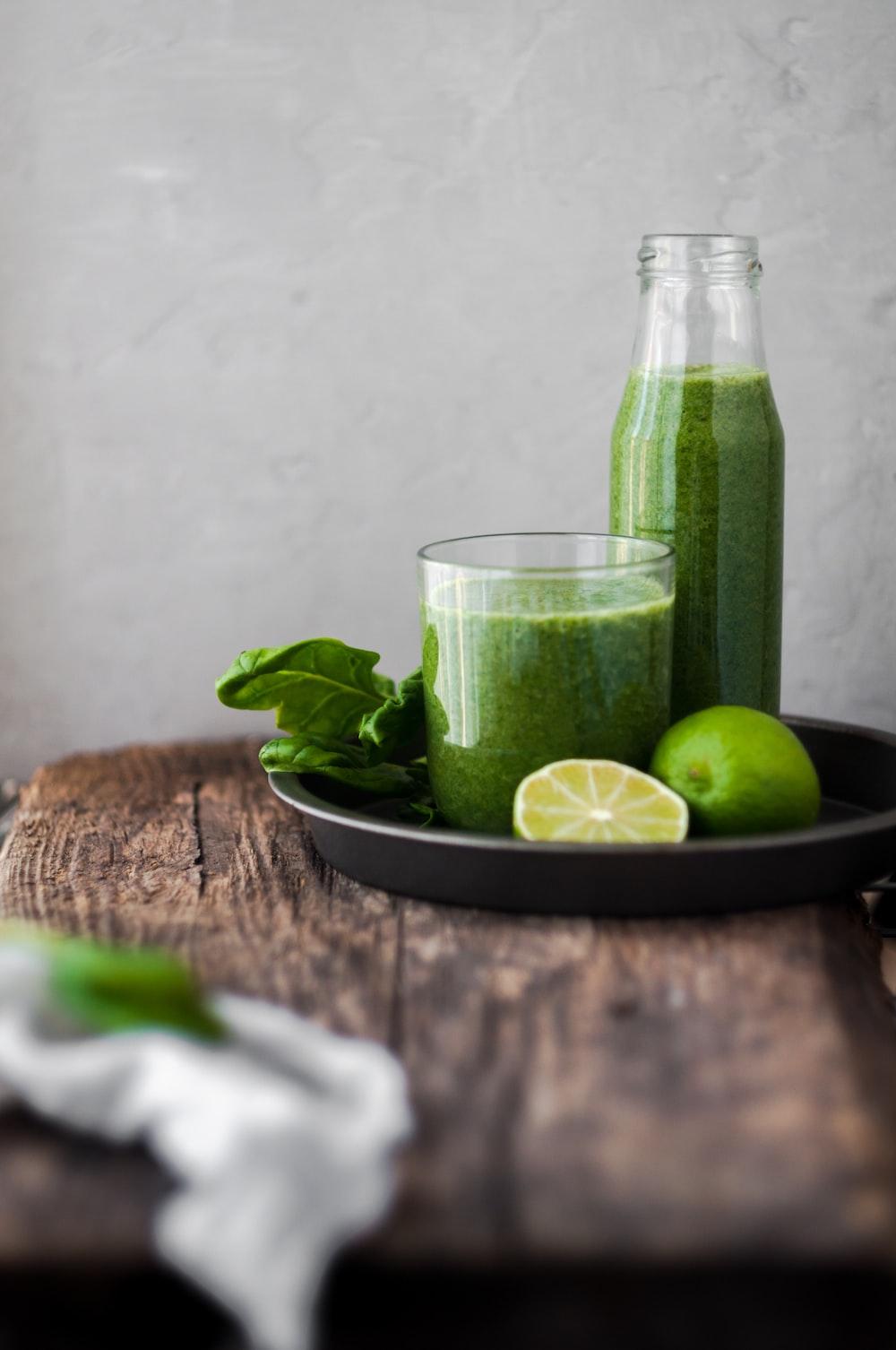 avocado shake on glass cup