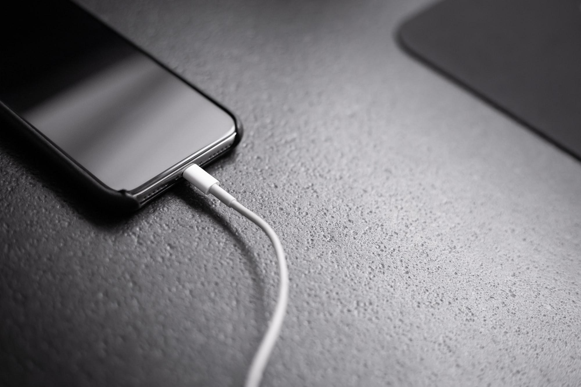 Como o MagSafe matou a possibilidade de USB-C no iPhone