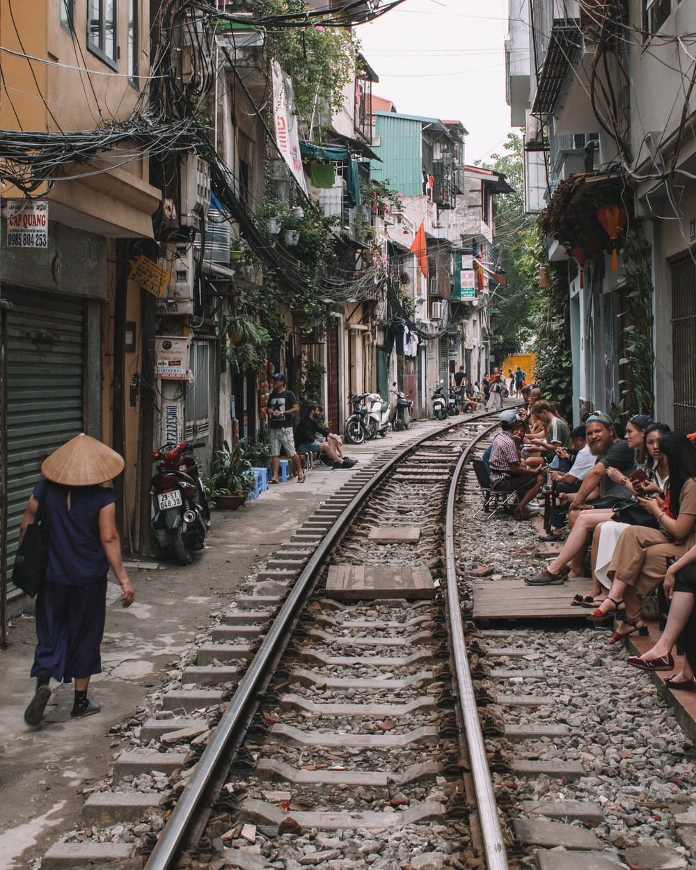 Train Street Pictures Download Free Images On Unsplash