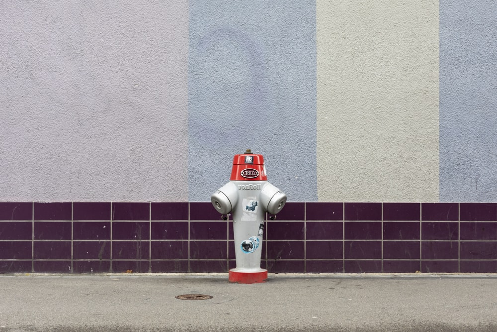 white and red fire hydrant