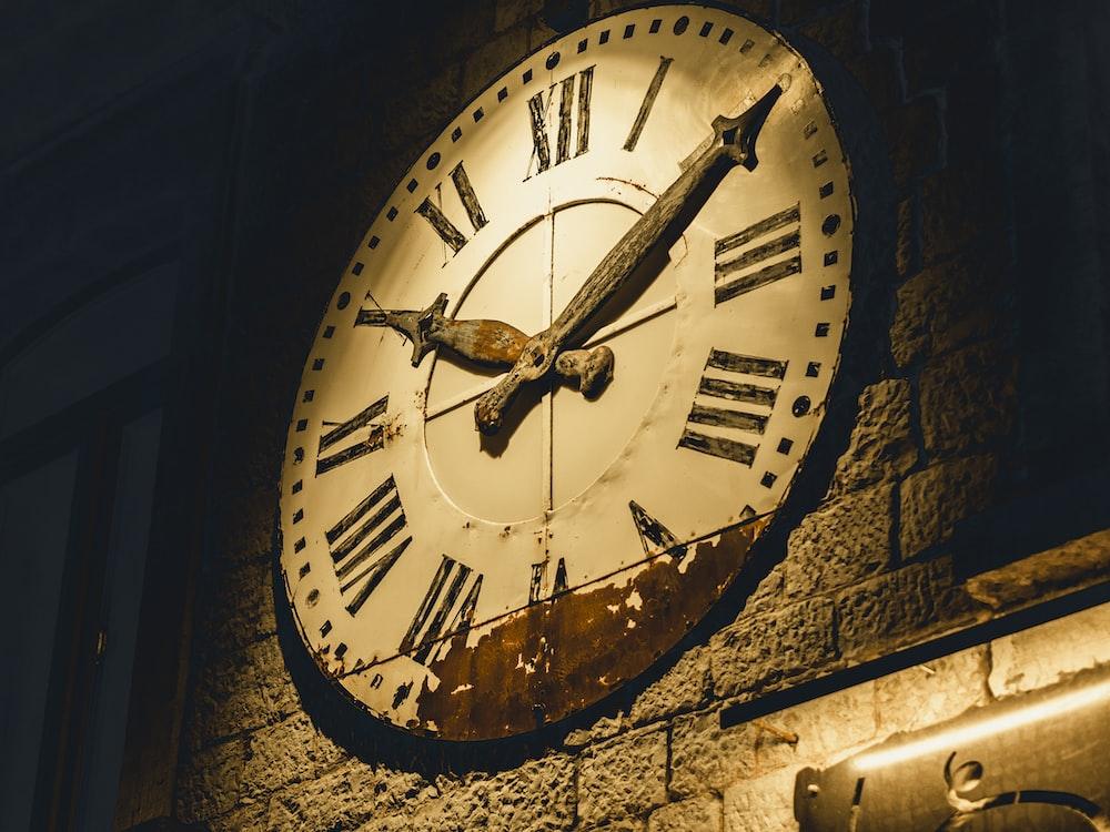 clock at 10:10