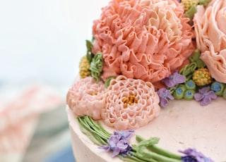 one layer cake with flowers on top